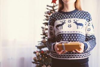 Pull de Noël, comment l'adopter?